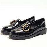 Nuevo diseño de cabeza redonda negra Flat mocasines zapatos dama