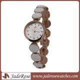 Form-beiläufiger Quarz-wasserdichte Luxuxdame-Uhren