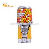 話題のカプセルのGashaponの自動販売機の弾力がある球の自動販売機の硬貨によって作動させるゲーム・マシン