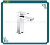 La porcelaine sanitaire Salle de bains à levier unique robinet en laiton