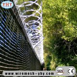 Il filo galvanizzato della rete fissa del giardino rimane via gli animali