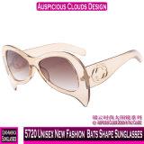 5720 Unissexo moda nova forma de morcegos óculos de sol