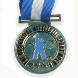 Médaille molle en laiton du football en métal d'émail avec la lanière blanche