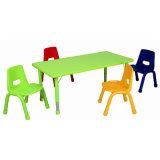 Mesa e cadeira de madeira ajustável para mobiliário de crianças