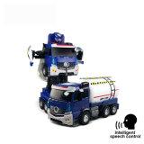 Cadeau de réservoir d'huile de jouet robot transformer voiture RC pour les enfants