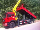 Camion diretto di Dongfeng 8ton 4X2 della fabbrica con la gru