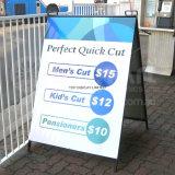 A cor cheia imprimiu sinais de um frame 24 x 36 metal & indicador portátil do passeio dos bens imobiliários do sanduíche & das campanhas de eleição que anuncia a placa portátil da barra de café