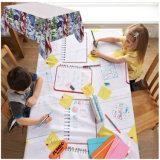 Tração dos miúdos no Tablecloth de papel descartável com penas