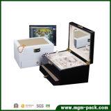 木の宝石類のミラーが付いている装飾的な収納箱