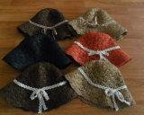 かぎ針編みのペーパーバケツの帽子