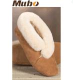 暖かい冬の羊皮の静かに足底が付いている屋内スリッパの靴