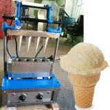 Cono de galleta de la máquina con moldes de 4