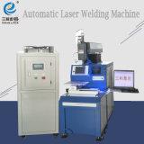 La máquina soldadora láser automático