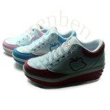 新しい販売の女性の方法スニーカーの靴