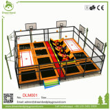 A China a pequena piscina Trampolin Park com o solavanco