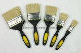 Escova de pintura branca da cerda com o punho plástico de borracha