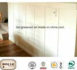 Panneau de mur en bois de pin de Radiata pour le matériau de construction