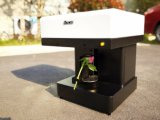 La espuma automática llena de la impresora del café de Latte bebe la impresora