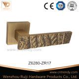 Conception spéciale de la quincaillerie de porte en alliage de zinc Poignée de loquet de verrouillage (z6274-ZR11)