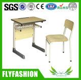 Aula de madeira durável com mesa e cadeira (SF 65 anos)