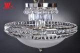 Lámpara cristalina clásica del techo con la cortina del vidrio helado