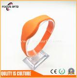Wristband durable del silicio RFID para la piscina/el control de acceso