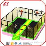 Sky High Extreme libre interior de salto de trampolín de un gimnasio comercial