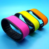 13.56MHz Mifare DESFire EV1 2K RFID Bracelets en Silicone