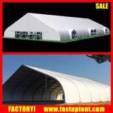 Tenda della tenda foranea della curva dell'usato nell'Uganda Kampala Nansana