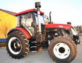 YtoエンジンTd1354を搭載する農業の農場トラクター