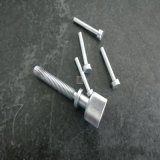 Pino de metal por meio de usinagem