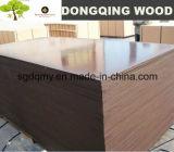La madera contrachapada al aire libre del uso de la construcción con negro/Brown filmó