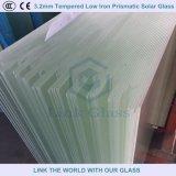 3.2mm hanno temperato il vetro solare prismatico del ferro basso per il comitato solare con Ce/SGS
