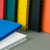 紫外線印刷のためのカラーそして白い波形のプラスチックシート