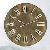 Metal estilo antiguo y reloj de pared de madera