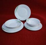 Jogos de jantar brancos simples frescos da porcelana do decalque