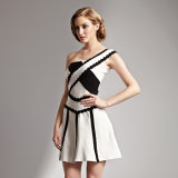 Один плечо A - Короткое замыкание линии Дамы платье Strapless