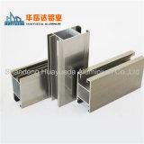 Profili di alluminio sporti per i materiali da costruzione del portello e della finestra di alluminio