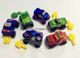 una variedad de juguetes campo a través ensamblados DIY mezclados del vehículo
