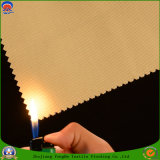 Tissu en tissu Tissé en polyester imperméable à l'eau Tissu rideau antidéflagrant pour rideaux prêts à l'emploi