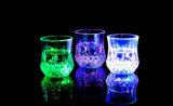 Luz LED de colores creativos inductivo de piña de la Copa de colores del arco iris
