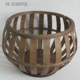 Figure differenti dei cestini del rattan e del bambù
