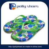 Sandalo aperto di caduta di vibrazione della punta di verde