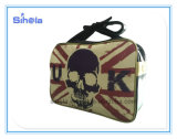 Cranio con il sacchetto di corsa del cuoio di disegno della bandierina