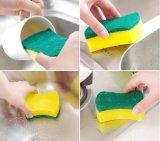 Широко домашних хозяйств используйте кухонные чистящие губки с абразивным покрытием