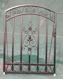 Puerta de hierro forjado en el exterior para jardín pequeño Gate