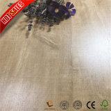 Suelo del laminado del grano de madera de roble