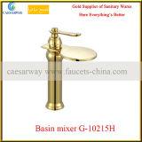 Robinet d'or de taraud de bassin de traitement simple pour la salle de bains