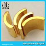 Kundenspezifische Goldschichts-Lichtbogen-Form-Neodym-Magneten