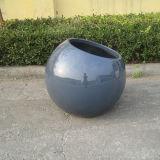 大きく装飾的な球のガラス繊維のプラント植木鉢